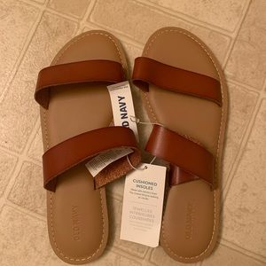 Old Navy brown sandals NWT size 8